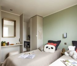 Chambre avec deux lits simples : Le Rochelongue