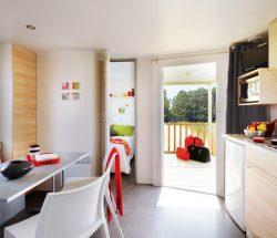 Salon d'un mobil-home Le Rochelongue